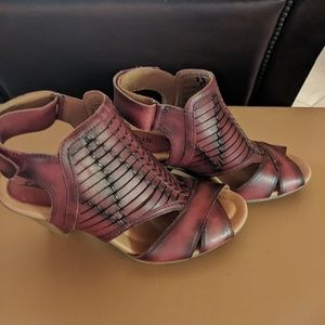 Earth Libra sandals. New, never worn.